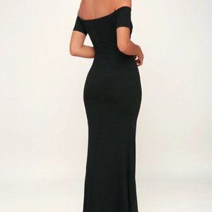 NWT Lulu's Black Off-the-Shoulder Maxi Dress